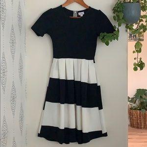 LuLaRoe Amelia statement dress